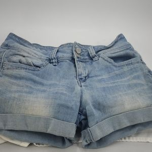 YmI Light wash jean shorts